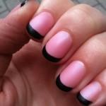 строгий маникюр на коротких ногтях