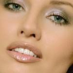 поэтапный макияж зеленых глаз для блондинок