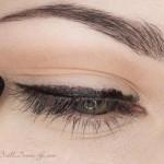 поэтапный макияж зеленых глаз: шаг 2