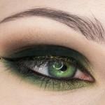 поэтапный макияж зеленых глаз: шаг 8