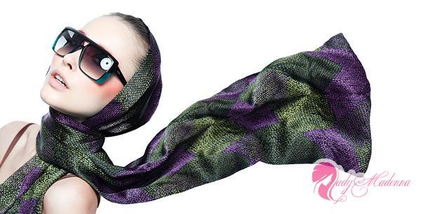 красиво завязанный шарф придаст вам женственности