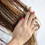 шаг второй- нанесите на волосы