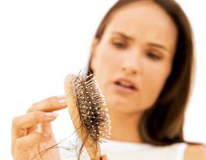 выпадение волос у девушек и женщин