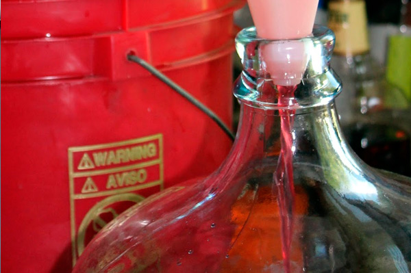 Вишнёвое вино с косточками в домашних условиях  28