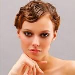 ступенчатая стрижка на короткие волосы