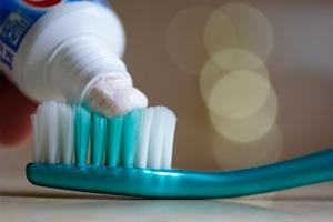 отбеливающая паста для зубов