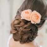 свадебные прически на средние волосы с розами