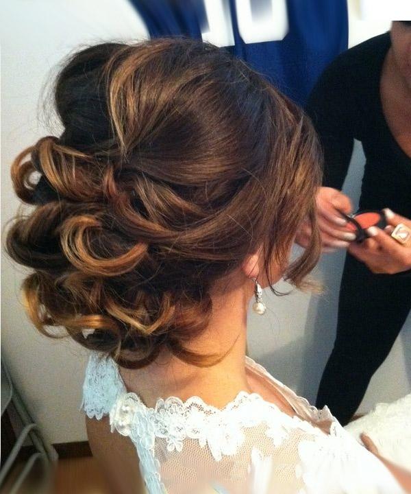 Причёски на средние волосы собранные