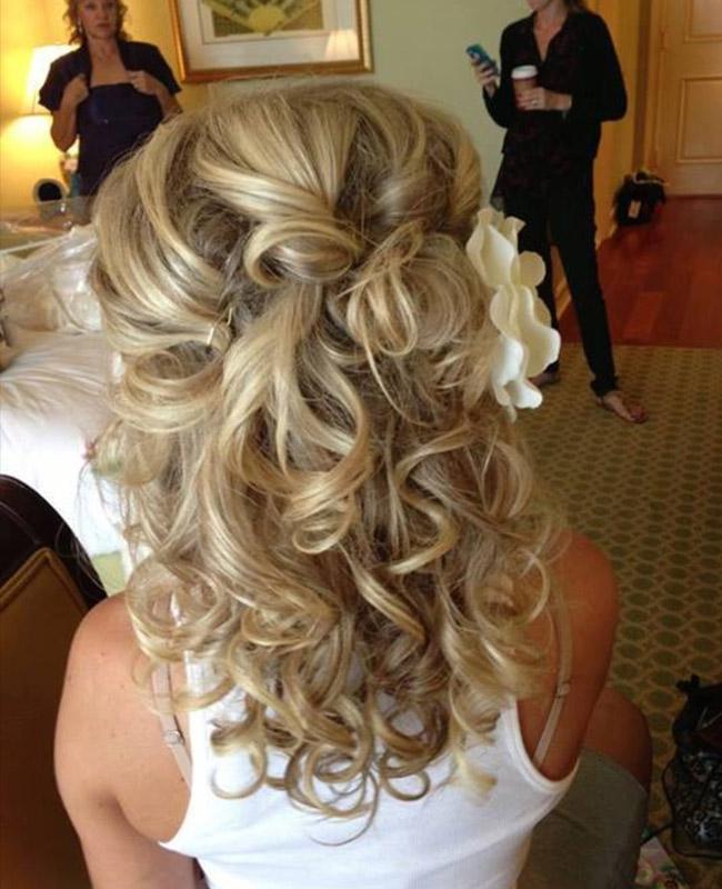 Свадебные прически с волосами средней длины с челкой