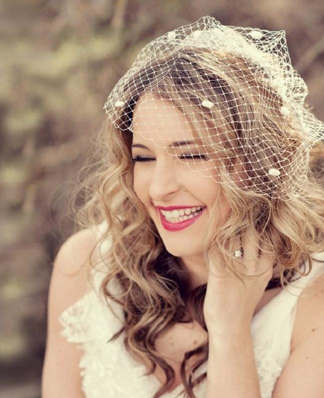 Простая свадебная прическа на длинные волосы - 5172