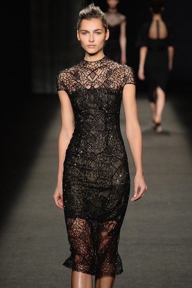 строгое черное платье на новый год