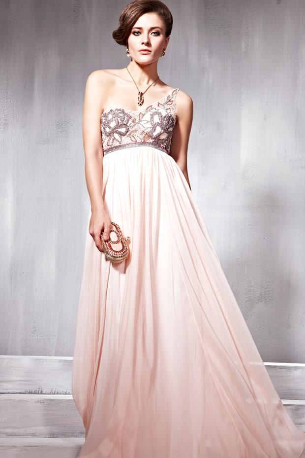 раскошено платье для встречи НГ
