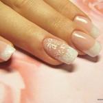 свадебный маникюр на короткие ногти с рисунком