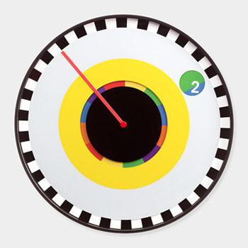 Часы с оригинальным дизайном