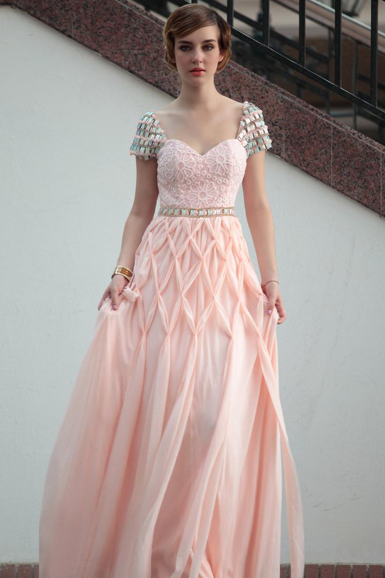 длинное красивое вечернее платье