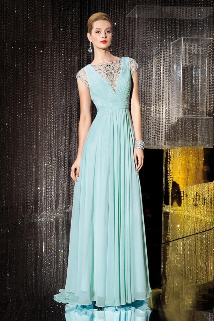 вечернее платье в пол с длинным рукавом