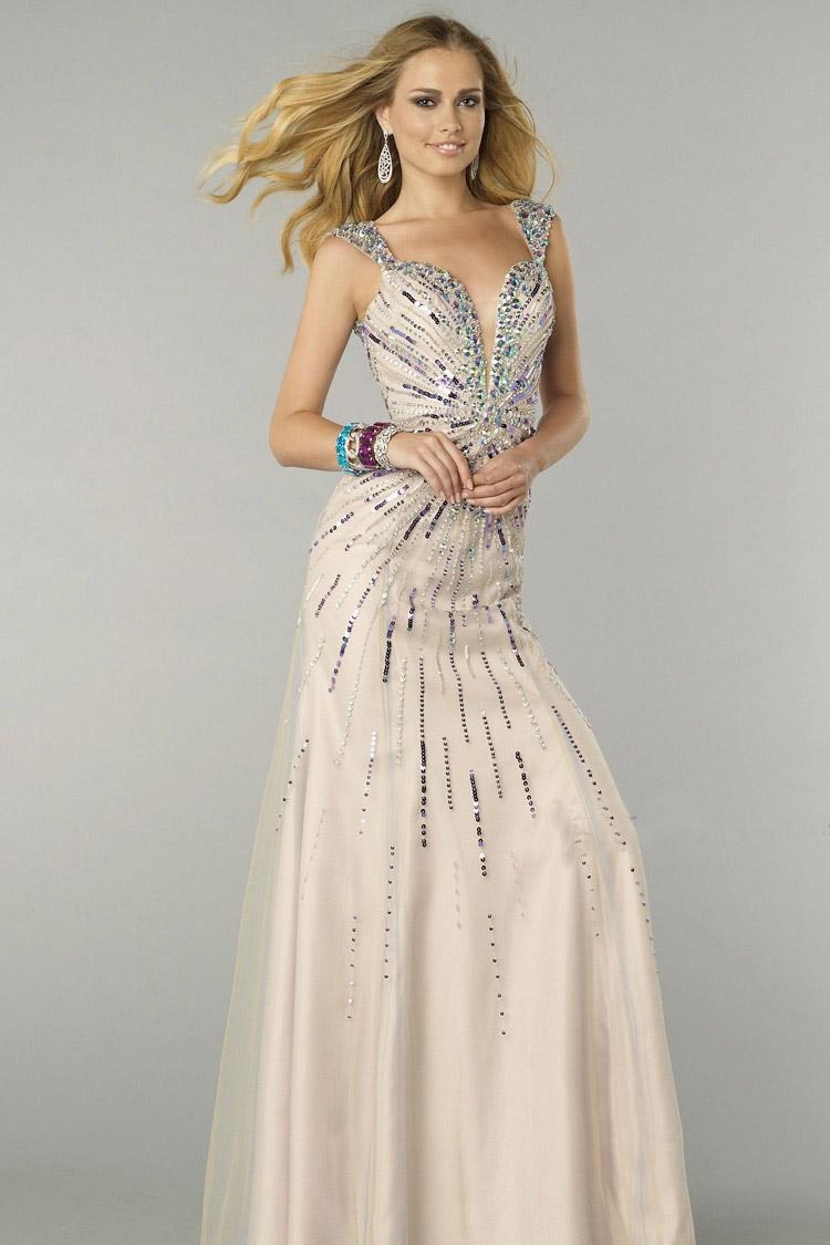 элегантное длинное вечернее платье