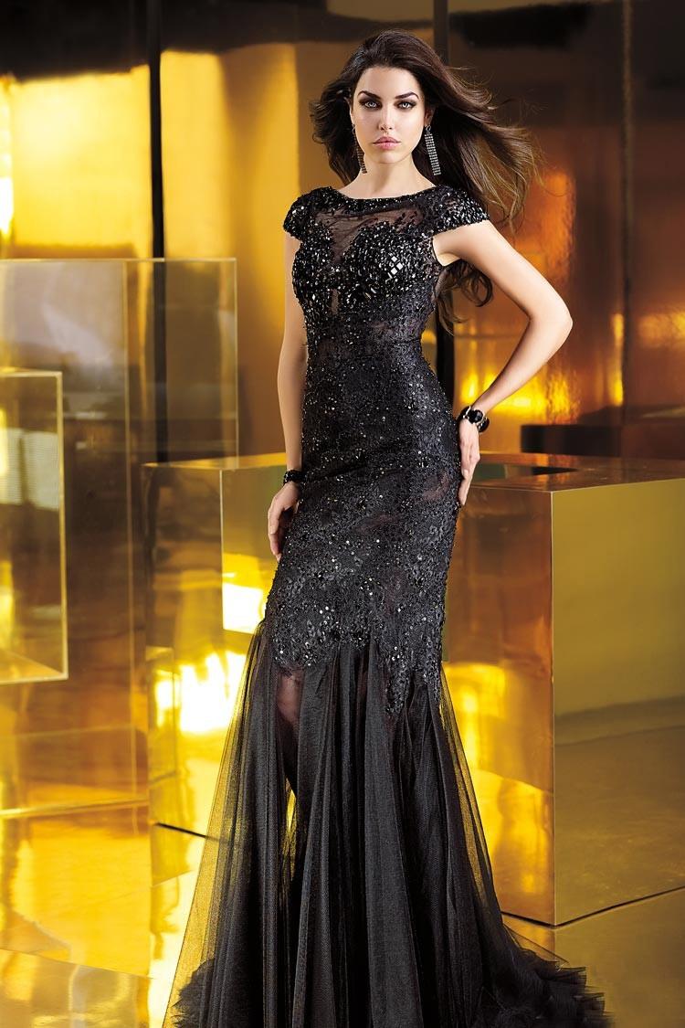 длинное вечернее платье без бретелек