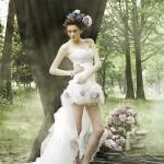 короткое свадебное платье с цветами