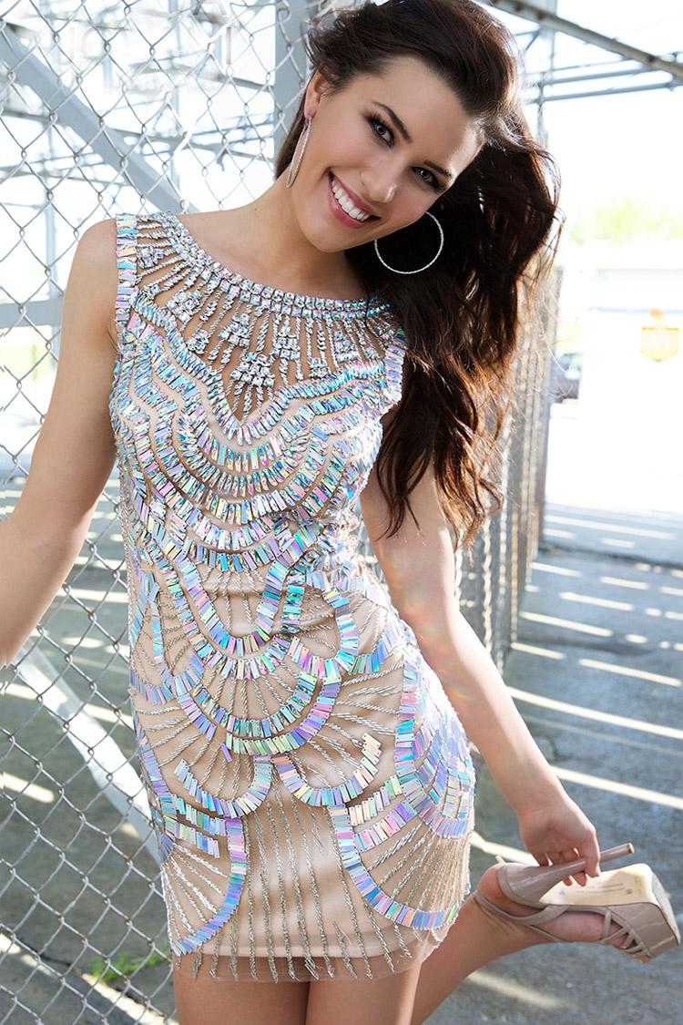 красивое коктейльное платье для клуба
