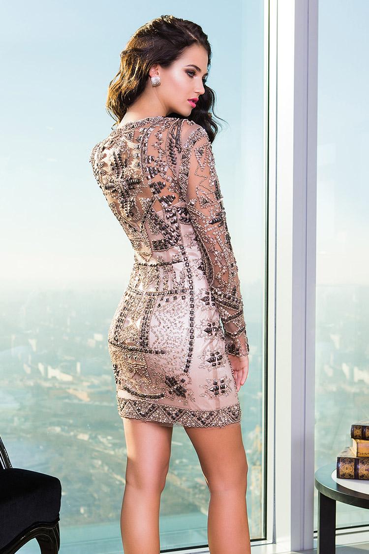 модное коктейльное платье с узорами
