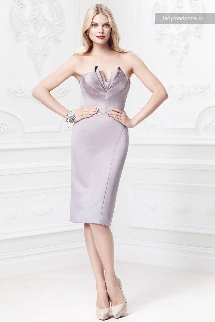 короткое коктейльное платье с открытыми плечами