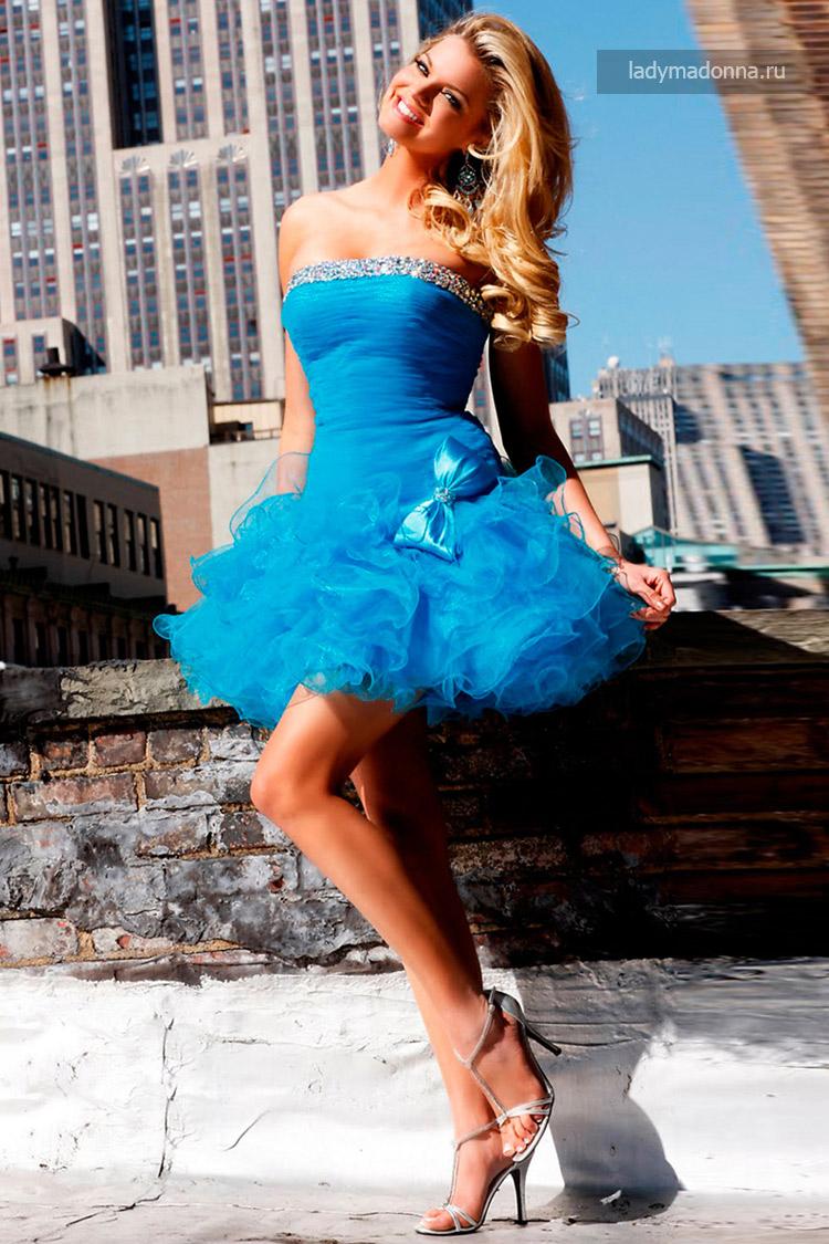 клубное коктейльное платье с пышной юбкой