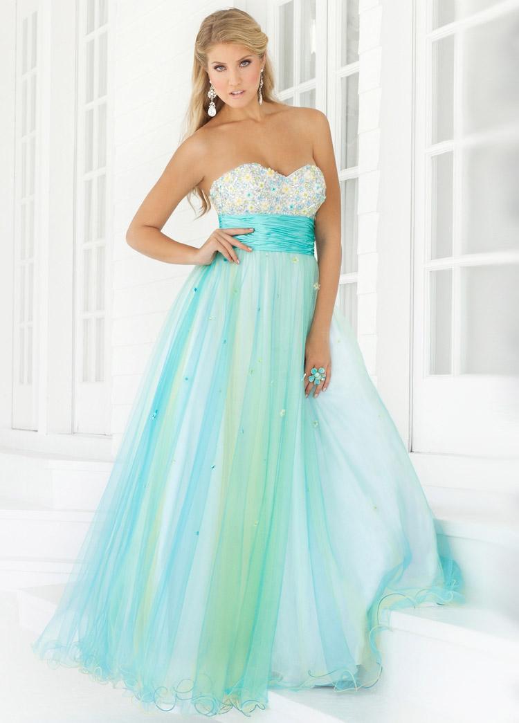 необычное платье на выпускной вечер