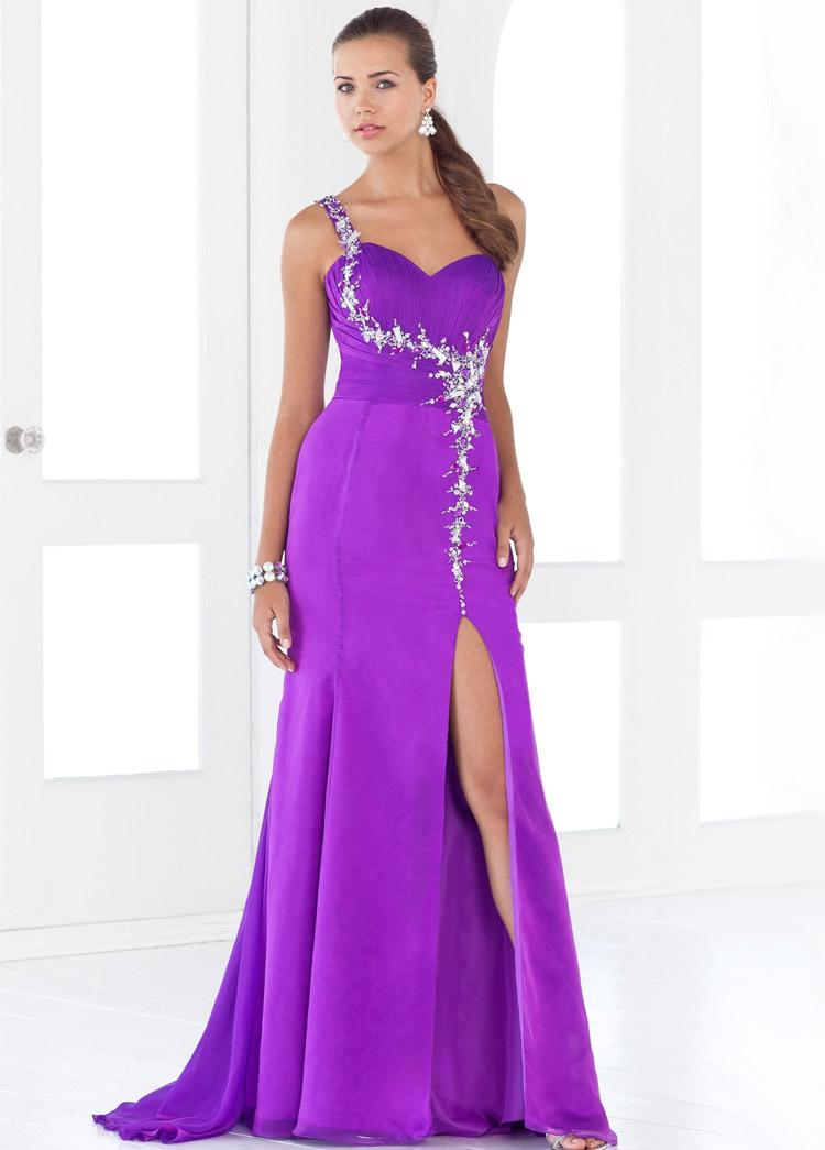 платье на выпускной с вырезом