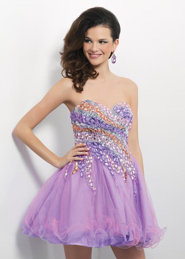 платье на выпускной с открытыми плечами и блестками