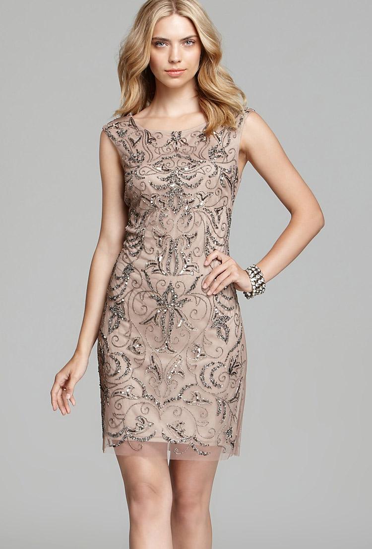 вечернее платье-футляр с вышивкой