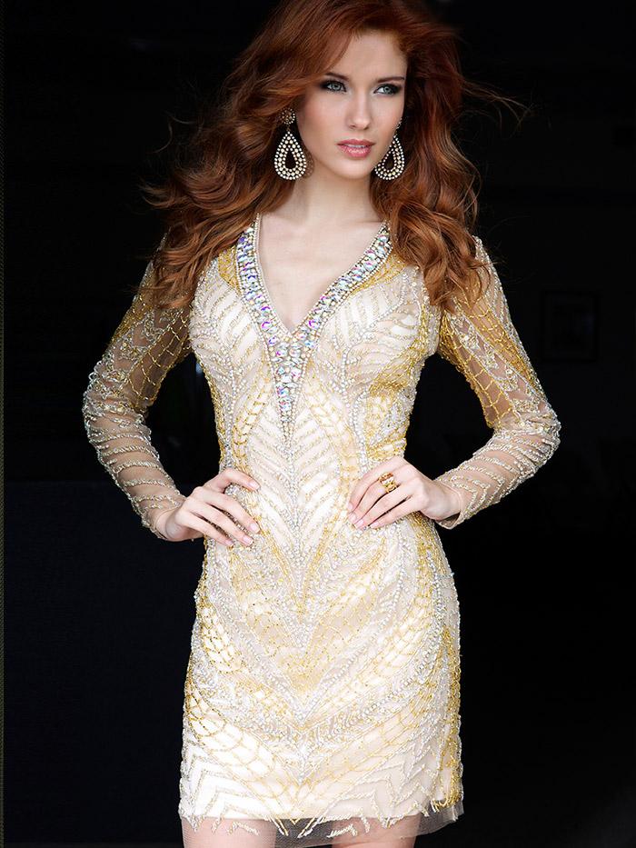 нарядное короткое вечернее платье с длинным рукавом