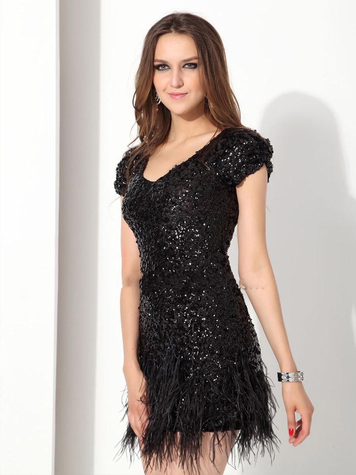 короткое черное вечернее платье