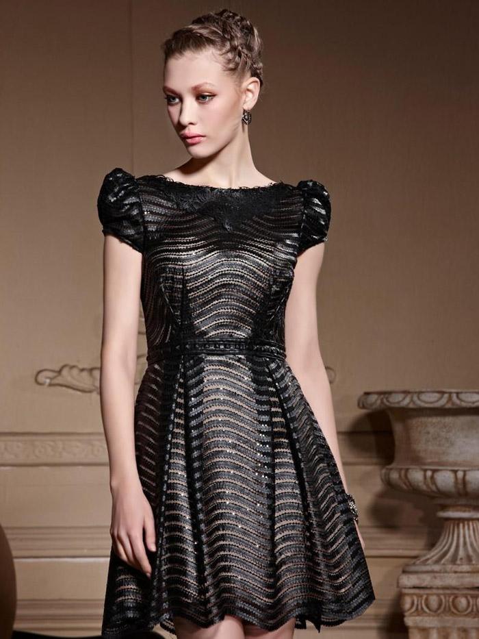 короткое черное вечернее платье с широкой юбкой