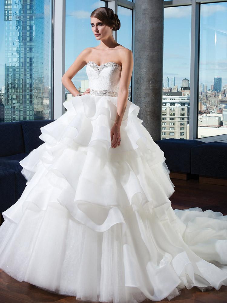 классическое платье невесты на весну