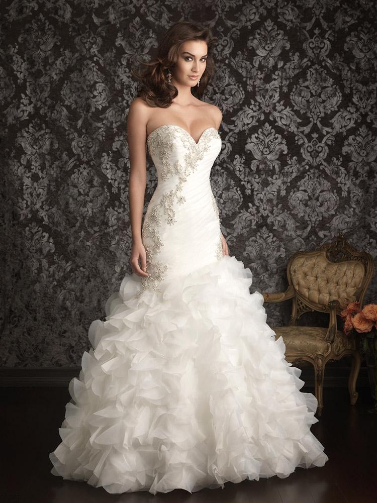 пышное свадебное платье с жемчугом