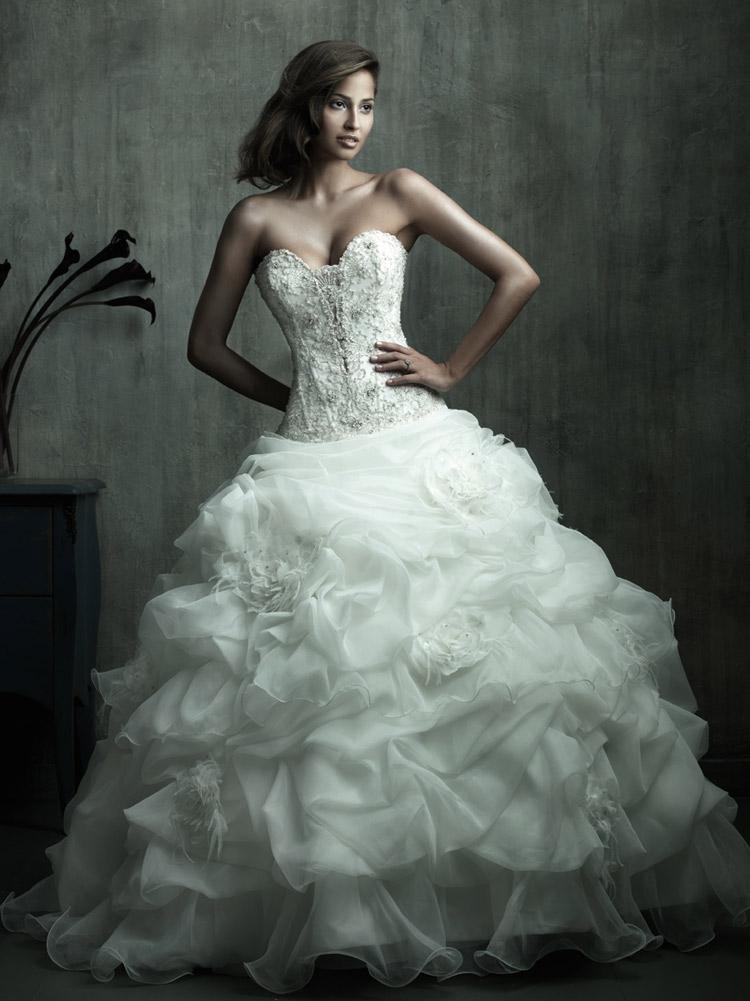 платье невесты с очень пышной юбкой