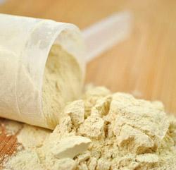 Из чего состоит любой сывороточный протеин